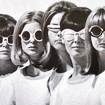 Retro girls in sunglasses